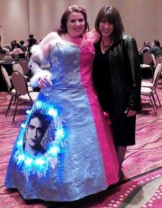 Twilight Prom Dress Fail - No Way Girl You Can't Be Serious! ---- hilarious jokes funny pictures walmart humor fails