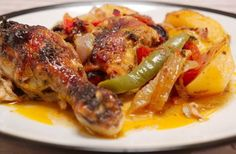 A hearty slowly-roasted chicken with vegetables in a Turkish way. Famous by the name Köylü Kebab. Turkish Recipes, Greek Recipes, Italian Recipes, Armenian Recipes, Hawaiian Recipes, Ethnic Recipes, Turkish Chicken, Chicken Gyros, Fresh Fruits And Vegetables