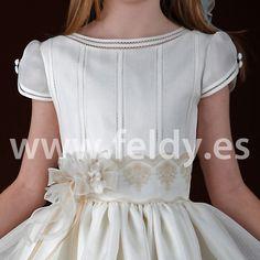 First Communion dress for girl Cemaros 2013 from Spain Little Dresses, Lovely Dresses, Girls Dresses, Flower Girl Dresses, Girls Communion Dresses, Baptism Dress, Girls White Dress, Baby Gown, Dress Picture