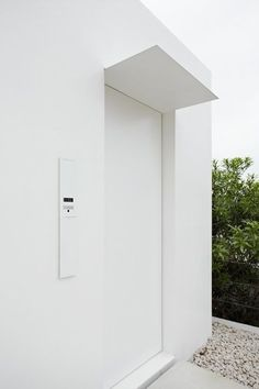 minimal entrance