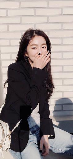 Velvet Wallpaper, Girl Wallpaper, Red Velvet Photoshoot, Red Velvet Irene, Velvet Fashion, Great Women, Korean Artist, Ulzzang Girl, Girl Crushes