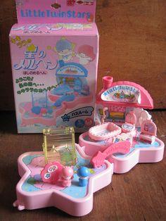 - Star Shape Bathroom ★Little Twin Stars★ Polly Pocket, Retro Toys, Vintage Toys, Kawaii Jewelry, Japanese Toys, Mini Things, Little Twin Stars, Cute Toys, Miniture Things