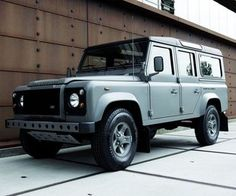 Land Rover Raw Defender