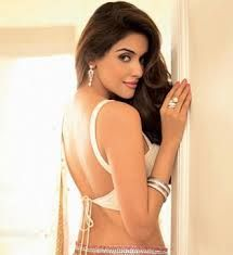Curves n Shine ... Perfect Asin :D