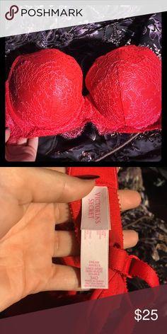 Victoria's Secret bra!! 34D, perfect condition, worn very little!! Victoria's Secret Intimates & Sleepwear Bras