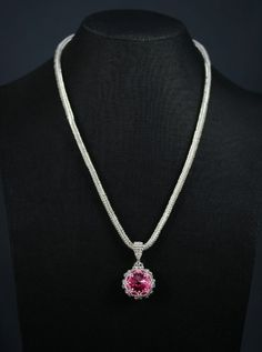 This bead woven necklace features a caged Pink Swarovski crystal. The chain is a simple but lovely herringbone stitch. Herringbone Stitch, Bead Weaving, Swarovski Crystals, Chain, Beads, Pretty, Silver, Pink, Jewelry