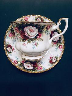 RARE Royal Albert China Teacup & Saucer Old Country Roses Celebration Gold Gilt Royal Albert