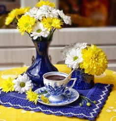 Coffee Art, My Coffee, Coffee Corner, Flower Aesthetic, Turkish Coffee, Good Morning, Tea Cups, Interior Decorating, Table Decorations