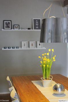 tauluhylly,seinän maalaus,harmaa seinä,keittiö