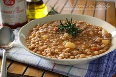 Zuppa di farro con patate al pomodoro, comfort food Best Dinner Recipes, Snack Recipes, Chana Masala, Family Meals, Italian Recipes, Food Inspiration, Chicken Recipes, Clean Eating, Easy Meals
