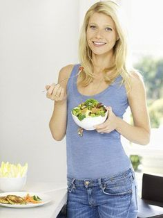 Gwyneth Paltrow is a fan of the macrobiotic diet - diets deconstructed looks behind this trend to find out what it's all about. Harmony with PCOS. Gwyneth Paltrow Diet, Famous Vegans, Macrobiotic Diet, Dietas Detox, The Blonde Salad, Celebs, Celebrities, Hollywood Stars, West Hollywood