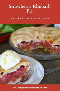 Homemade Strawberry Rhubarb Pie with Ice Cream Easy No Bake Desserts, Delicious Desserts, Dessert Recipes, Yummy Food, Pastry Recipes, Baking Recipes, Strawberry Rhubarb Pie, Homemade Snickers, No Bake Pies