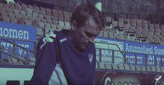 Video: HIFK julkaisi päävalmentajansa jatkosopimuksen tunteikkaalla videolla Jani Honkavaara jatkaa Veikkausliigaan nousseen HIFK:n päävalmentajana myös ensi kaudella HIFK:n ja 39-vuotiaan Honkavaaran sopimus kestää vuoden... http://puoliaika.com/video-hifk-julkaisi-paavalmentajansa-jatkosopimuksen-tunteikkaalla-videolla/ ()
