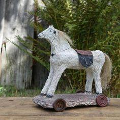 Osedlaný ... Garden Sculpture, Recycling, Paper, Outdoor Decor, Animals, Home Decor, Animales, Decoration Home, Animaux