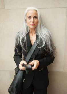63-year-old reveals her secrets to looking young | Australian Women's Weekly Beautiful Women Over 50, Beautiful Old Woman, Yasmina Rossi, 60 Year Old Woman, Coiffure Hair, Grey Hair Inspiration, Long Gray Hair, Long Silver Hair, Older Models