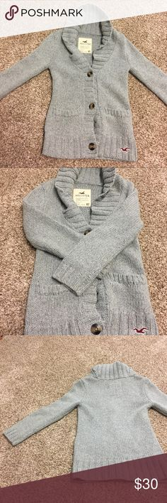 Hollister women's grey sweater xs Perfect condition! Nothing's wrong with it. Size XS Hollister Sweaters Cardigans
