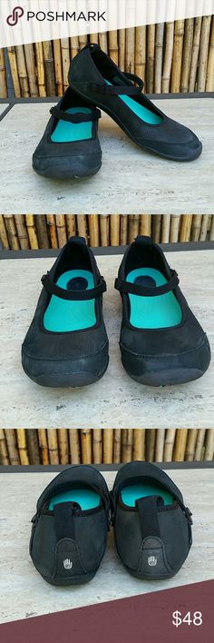 TEVA Mary Jane EUC! TEVA Mary Jane EUC! Reap suede upper,  cushioned footbed, traction soles,  straps snap, size 7 Teva Shoes Athletic Shoes