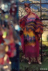 """Veruschka """"The rainbow comes and goes ."""" Photographed by Gordon Parks, Vogue, March 1965 Quirky Fashion, High Fashion, Vintage Fashion, Vintage Style, Classic Fashion, Fashion Art, Gordon Parks, Glamour Photography, Fashion Photography"""