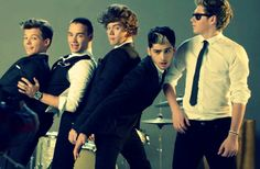 Kiss You Alt. Version :) I literally can't stop looking at this pic...i love everything about it :'D