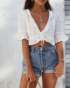 cute summer outfit ideas for teens high waisted vintage denim shorts white crop . , For More Fashion Visit Our Website cute summer outfits, cute summer outfits outfit ideas,casual outfits cute su. Mode Outfits, Short Outfits, Casual Outfits, Fashion Outfits, Women's Casual, Ibiza Outfits, Classy Outfits, Shorts Outfits For Teens, Denim Shorts Outfit Summer