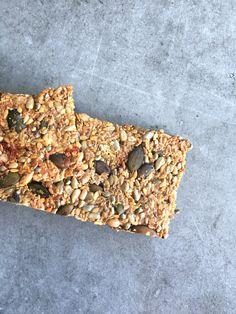 Crakers vegan / IG très bas, sans gluten – Le cul de poule Biscuit Sans Gluten, Vegan Granola, Vegan Kitchen, Fodmap, Vegan Dinners, Healthy Recipes, Healthy Food, Bread, Pains