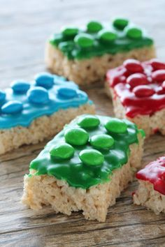 http://www.thestayathomechef.com/2015/08/lego-rice-krispie-treats.html