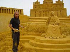 wow! amazing sand sculpture