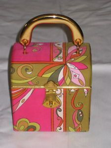 Vintage Pucci Silk Handbag (pink and green! Vintage Purses, Vintage Bags, Vintage Handbags, Vintage Shoes, Retro Vintage, Vintage Outfits, Vintage Items, Vintage Fashion, Vintage Style