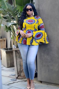 ankara mode Hello fashionistas, top of the day to you and welcome as we look at this trend that has lighted the Ankara fashion in recent years. Today we bring you Super Stylish Ankara Tops African Fashion Ankara, Latest African Fashion Dresses, African Dresses For Women, African Print Fashion, African Attire, African Wear, African Women, Fashion Prints, African Prints