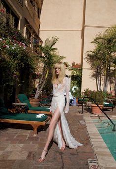 Inbal Dror Wedding Dresses: 2014 Los Angeles Collection inspired by the City of Angels, romantic dresses for the glamorous and fashion conscious bride: Second Hand Wedding Dresses, Amazing Wedding Dress, Wedding Dresses 2014, Wedding Dress Sizes, Wedding Gowns, Lace Wedding, Trendy Wedding, Wedding Blog, Gorgeous Dress