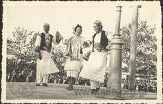 2 Μαΐου 1954 . Εορτές του Ψυχάρη. Χορός Πυργώσικος. (Πυργούσικος)  Χίος