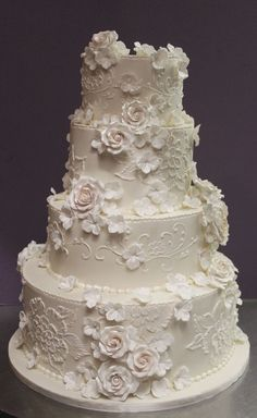 Lace and Flowers in Pearl Ivory | by Alliance Bakery More #floralweddingcakes