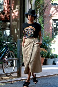 The 5 Pairs of Shoes You'll Ever Need Black Women Fashion, Look Fashion, Female Fashion, Street Fashion, Modest Fashion, Fashion Outfits, Fashion Trends, Casual Outfits, Cute Outfits