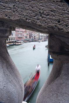 #Rialto #Framing #venice #venezia #motion #motionblur #italy #italia #gondola Venice, Explore, Italia, Venice Italy, Exploring