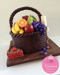 'Fruit Basket' Cake                                                                                                                                                                               «CaKeCaKeCaKe»