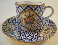Porzellan Tasse Gedeck Sevres France Blumen Gold Handbemalt Blaues Gittermuster