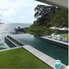 Villa Amanzi Kamala - Luxurious infinity pool villa in Phuket with 6 bedrooms. Welcome to Villa Amanzi Kamala Beautiful Pools, Beautiful Places, Pool Bad, Piscina Hotel, Villa Phuket, Moderne Pools, Swiming Pool, Dream Pools, Swimming Pool Designs
