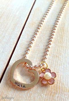 Handgestempeltes Herz mit Namen in rosé gold von schuys auf DaWanda.com