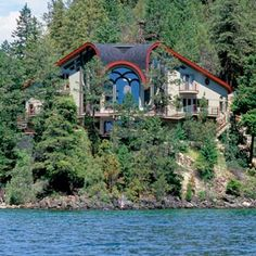 Soaring Osprey House, Flathead Lake, MT. Ojibwe Indian architect Richard Wyman Smith design a home with the look of a bird in flight,