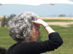 Cortes de cabelo para mulheres maduras http://www.viva50.com.br/lindos-cortes-de-cabelos-crespos-ou-cacheados-para-mulheres-50-60/