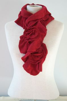 Ruffle scarf with rose. No tutorial, will have to figure this one out on my own. Recycled Sweaters, Ruffle Scarf, Red Scarves, Felt Diy, Gift Certificates, Wool Scarf, Personal Stylist, Flowers In Hair, Womens Scarves
