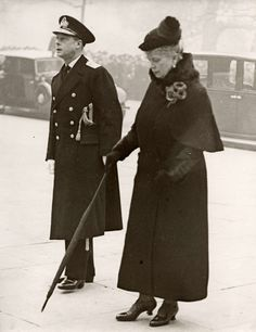 Queen Mary and King Edward VIII,  London  11 november 1936.