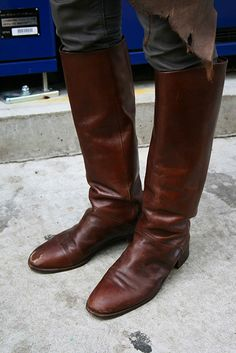Mens Attire, Walking Sticks, Dress With Boots, Tall Boots, Cowboy Boots, Riding Boots, Menswear, Footwear, Street Style