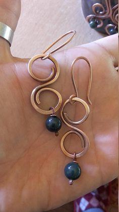 Wire earrings with natural green beadsCopper earrings Copper