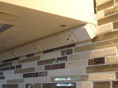 Best Hidden Outlets For An Uninterrupted Backsplash Kitchen 400 x 300