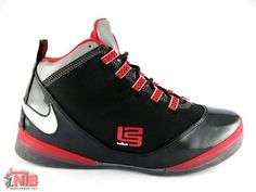 Nike zoom soldier 2