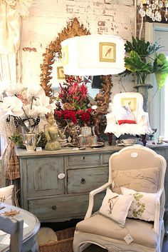 Wish I had the right stuff to make my booth look like this!