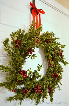 Fresh Boxwood wreath - made with free cuttings from the yard