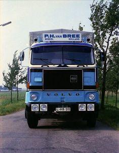 Volvo P.v Bree Berkel huif combi Freight Truck, Volvo Trucks, Busses, Commercial Vehicle, Classic Trucks, Vr, Transportation, Legends, Vehicles