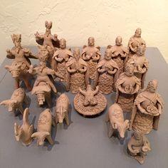 Lovely Nativity from Aztompa, Oaxaca. Nativity Ornaments, Christmas Nativity, Nativity Sets, Aztec Empire, Latino Art, Mexican Ceramics, Lds Art, The Birth Of Christ, Spanish Art